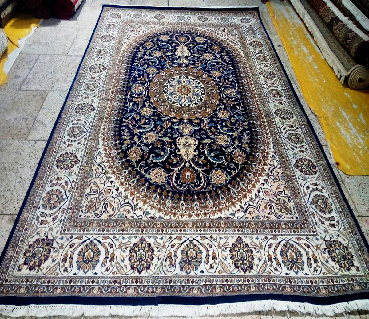 Hand Knotted Carpet Rugs Manufacturer Exporter In India